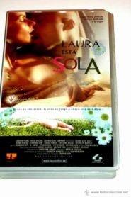 Laura está sola